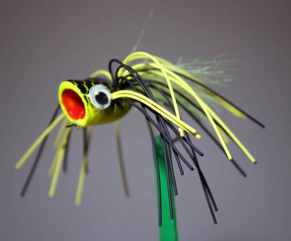 Pultz Bass Popper Wide Gap Stinger Chartreuse, Black, Charteuse 1/0